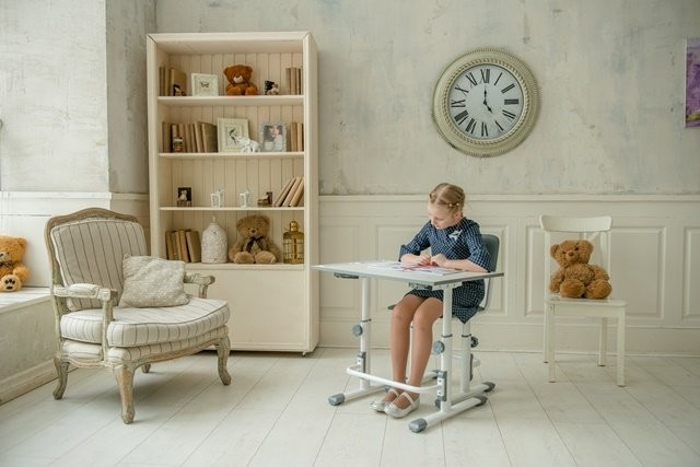 Polini Simple Height Adjustable Desk and Chair