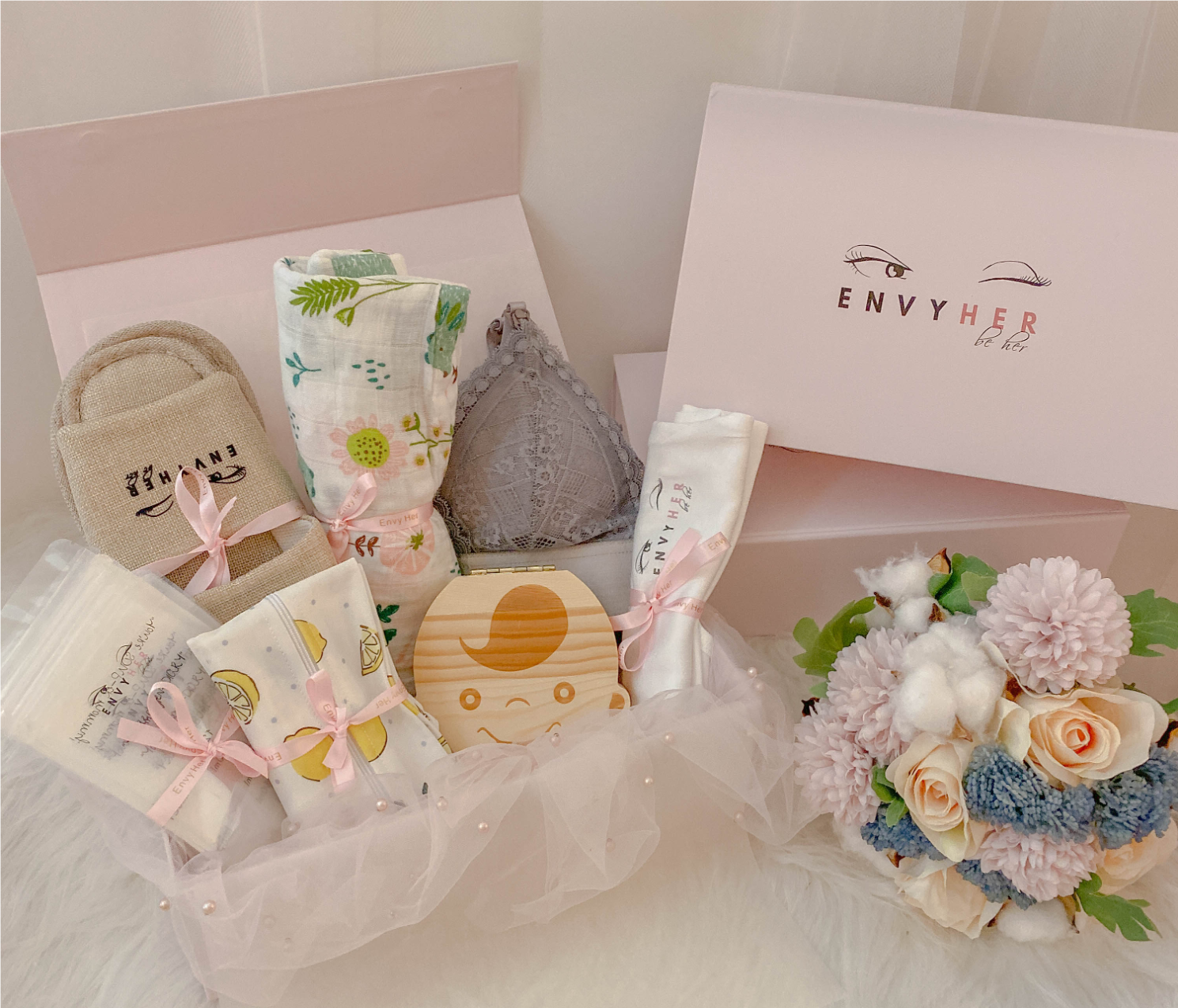 Envy Her Mom&Cub Gift Box (WITH MATERNITY BRALETTE